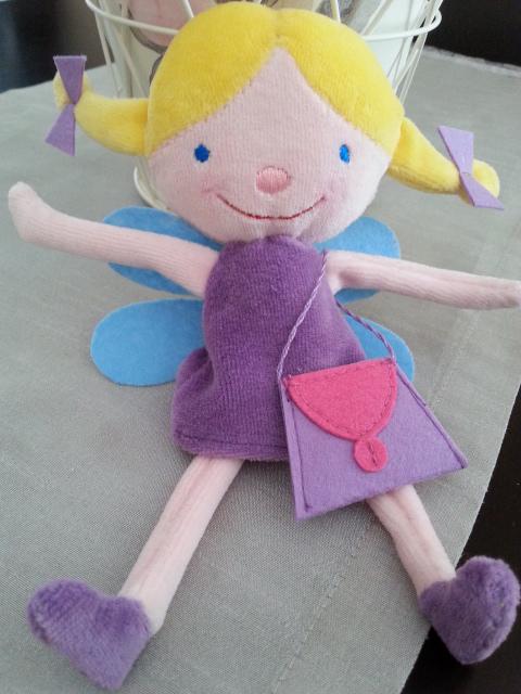 Lola Plüschfigur